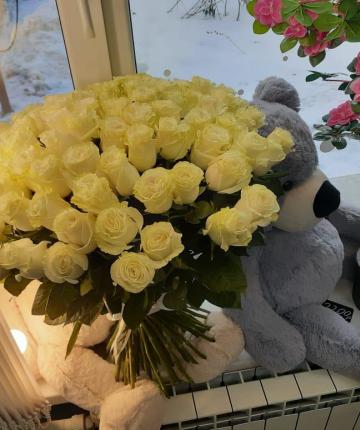 101 кремовая эквадорская роза
