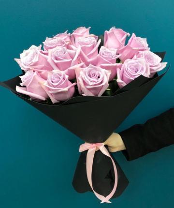 Букет из 15 нежно-розовых эквадорских роз