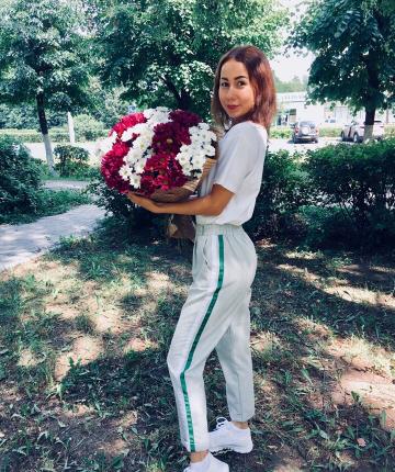 Букет из 15 разноцветных хризантем