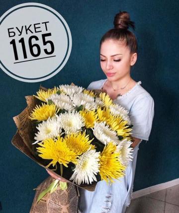 Букет из 19 одноголовых хризантем