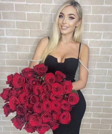 Букет из 35 красных эквадорских роз