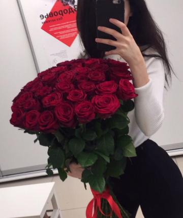 Букет из 35 красных российских роз