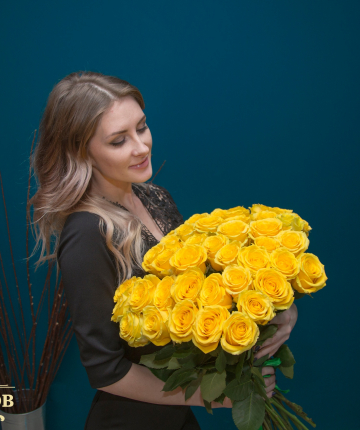 Букет из 35 желтых эквадорских роз