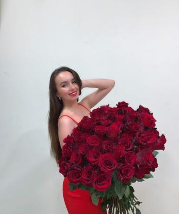 Букет из 51 алой эквадорской розы