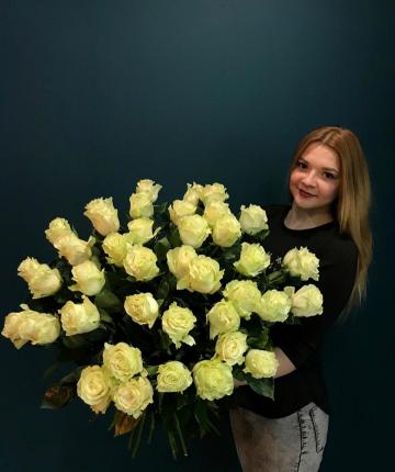 Букет из 51 белой эквадорской розы