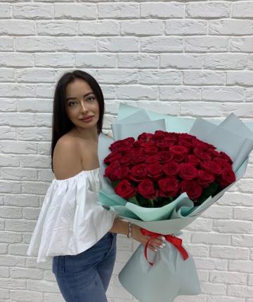 Букет из 51 красной эквадорской розы