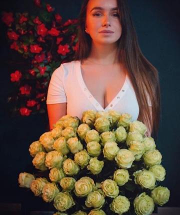 Букет из 51 кремовой эквадорской розы