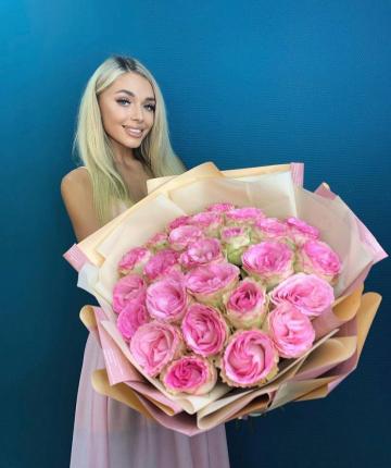 Букет из бело-розовых эквадорских роз - 31 шт