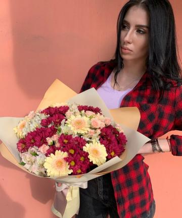 Букет из гербер, альстромерий, хризантем и кустовых роз - 21 шт