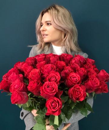 Красные эквадорские розы поштучно - 70 см