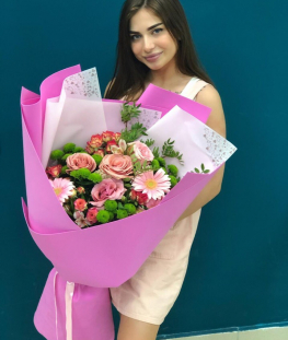 Big-букет из эквадорских и кустовых роз, гербер и хризантем - 29 шт.