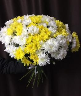 Букет из белых и желтых хризантем  - 11 шт.