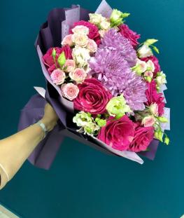 Букет из роз, лизиантусов и хризантем - 23 шт.