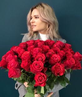 Красные эквадорские розы поштучно - 70 см.