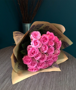 Розовые эквадорские розы поштучно - 70 см.